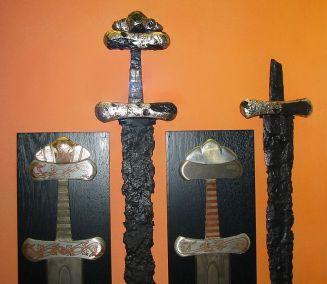 Viking_swords_closeup